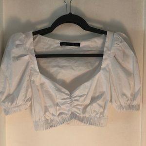White puff shoulder crop top